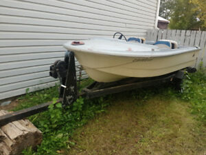 16 foot boat and trailer 700$.Not ..1969..