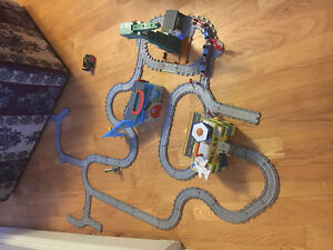Thomas the Tank Engine Train set with buildings