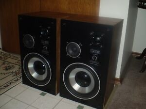 AudioSpere Research 3 Way Speakers ( Excellent Vintage Sound )