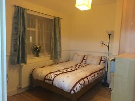 EXCELLENT DOUBLE ROOM TO LET