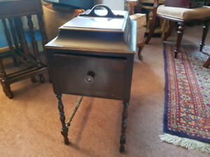 Sewing table - Vintage - excellent condition