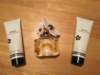 **New Marc Jacobs Daisy 50ml Eau De Toilette Perfume Gift Set**