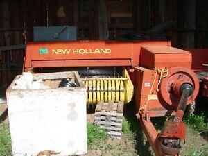 New Holland 320 Hayliner small square baler