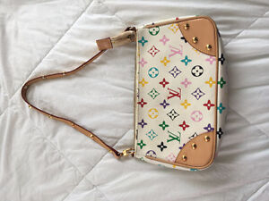 Louis Vuitton - Small Purse