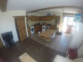 Beautiful 5 Bed Barn House share in Illchester