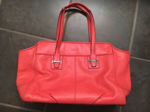 Coach purse (genuine leather)