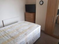 Stunning Two Double Rooms available for immediate move/ UXBRIDGE - £120 / WEEK