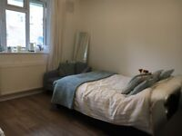 Double room for rent Acton border with Shepherds Bush