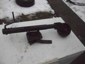 TRAILER JACK WITH WHEEL WORKS WELL. [FIRM]!!!