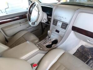 2003 Lincoln Aviator AWD, tow package, tv in the front