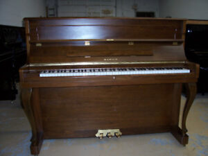 "PRE-OWNED 47"" SAMICK SU-118 PROF. UPRIGHT PIANO"