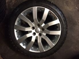 """Range Rover 20"""" alloys and General Grabber AT tyres. 7-8mm tread. Land Rover Discovery?"""