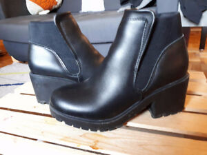 Chelsea Boots Black US 5 / UK 3 / FR 36 New Look