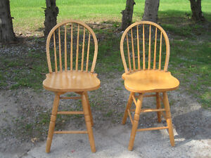 SOLID PINE CHAIRS & BOOT BENCH