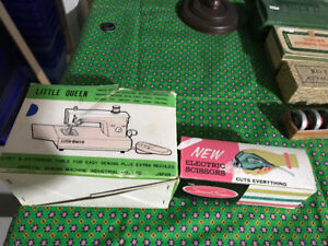 VINTAGE SEWING SEW LITTLE QUEEN MACHINE & ELECTRIC SCISSORS