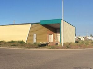 Commercial Shop in Fort Macleod