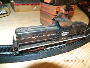 Lionel and Bachman Trainset on table. $500 obo Peterborough Peterborough Area image 9