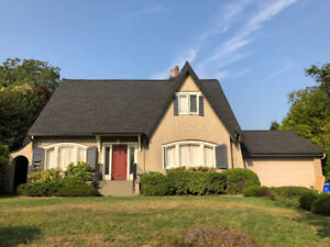 Stunning 4bed room house at the heart of UBC