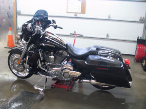 Harley-Davidson  FLHX  CVO  SCREAMING-EAGLE  FULL CHROME