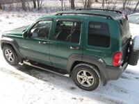 2004 Jeep Liberty black and grey SUV, Crossover