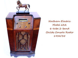 1934 Northern Electric Mahogany Child Console Radio Model 63