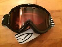 Ski/Snowboard Goggles - Used once, box included