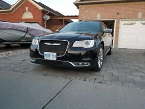 2015 Chrysler 300-Series Sedan Platinum Trim, Black on Black