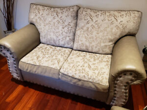 Sofa set in excellent condition (sofa bed!)
