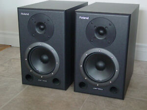 Roland DS-90A Powered Studio Monitors Pair