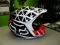 FOX - V2 - Given MX Helmet - Large at RE-GEAR