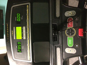 Live strong LS8.0T Treadmill