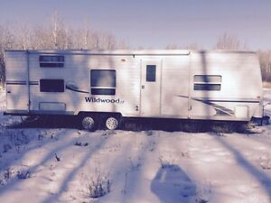 Wildwood by forest river camper trailer 2006