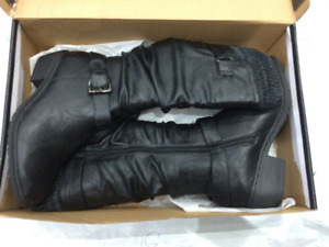 ❄️WOMEN's SIZE 8 BOOTS BRAND NEW ❄️ NEVER USED RATED -20C