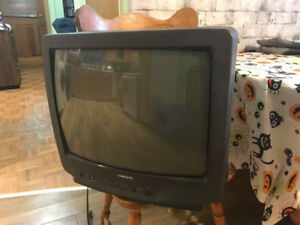 Black Samsung TV  with back 21 inch