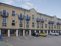 2 bedroom flat in Arden Crescent, Isle of Dogs E14