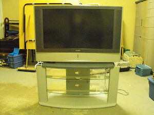Sony LCD Projection TV With Matching Stand