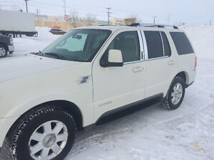 2004 Lincoln Aviator SUV near mint Saftied no email or text