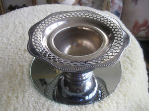 OLD VINTAGE VIKING SILVER PLATE DISH with WAVY FILIGREED EDGING