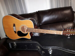 12 String Takamine in Excellent Condition