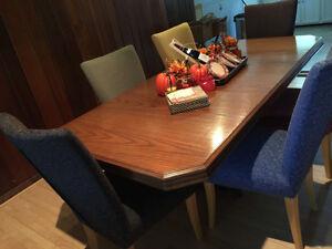 Dinning Room Table & Cabniet