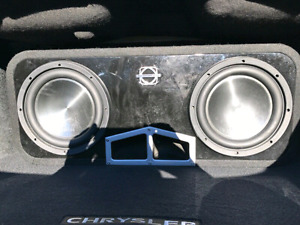 2 x 10 inch Clarion Subwoofers/Free Clarion Amp