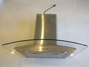 Venmar 30-in Ducted Wall-Mounted Range Hood (Stainless Steel)