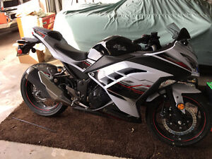 Like New 2014 Kawasaki 300 Ninja