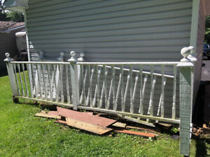 wooden crafted railing/balusters for sale