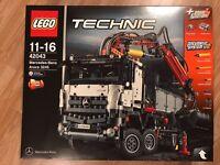 LEGO Technic Mercedes-Benz Arocs 42043 RRP £125