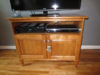 Meuble TV, armoire, table