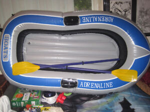 "[NEW] ADRENELINE BOATS 6' (72"" X 46"") INFLATABLE W/OARS & PUMP"