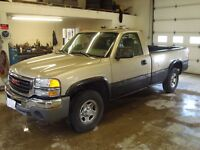 2004 GMC SIERRA SL REG CAB 4WD $4000 TAX IN CHANGED INTO UR NAME