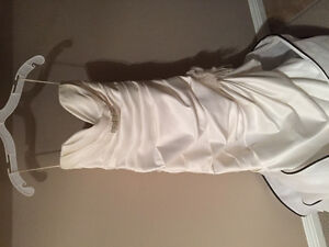 Wedding dress free to give away size 6