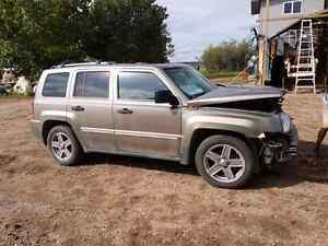 PARTING OUT: 2008 JEEP PATRIOT 4X4 LEATHER  -  PARTS
